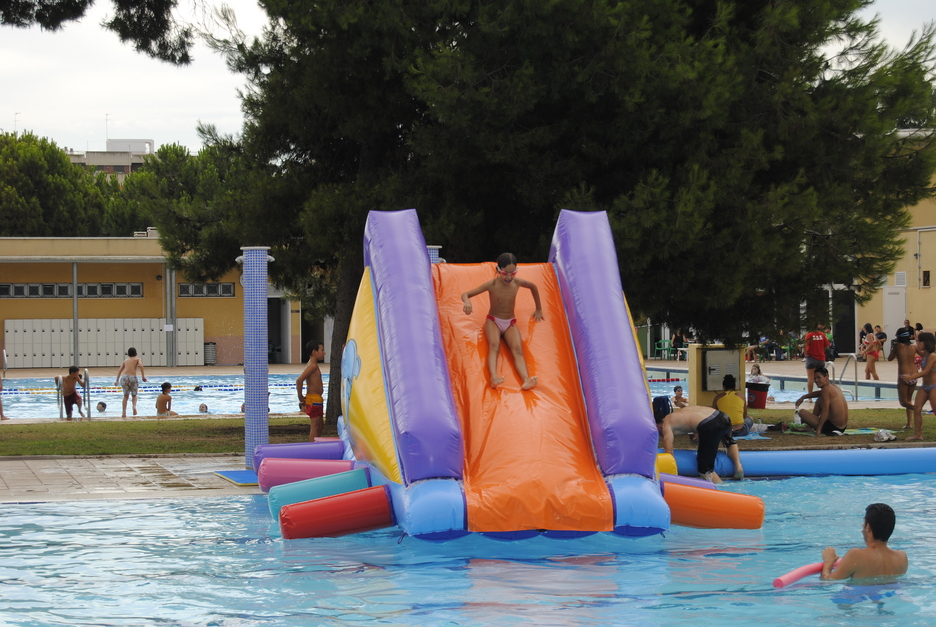 Programaci n actividades agosto aquaval for Piscina parque benicalap