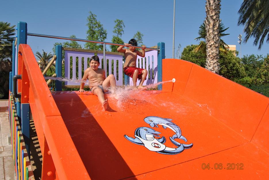 Escuela verano benicalap aquaval for Piscina parque benicalap