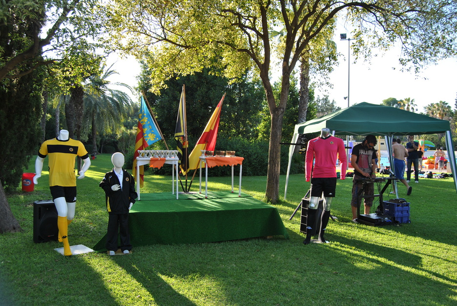 Celebraci n de cumplea os comuniones y eventos aquaval for Piscina parque benicalap